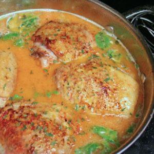 Pollo frito con tomillo y mantequilla de limón