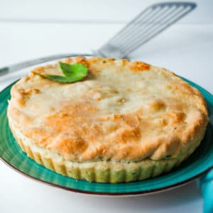 Pastel de carne Stroganoff Pot Pie en Delectable, www.delectablecookingandbaking.com