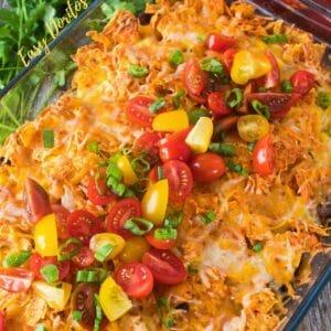 Bu süper kolay katmanlı kıyma Doritos Güveç, kısa sürede hazır olan, ailelerin en sevdiği akşam yemeğidir!