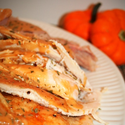 Oven Roasted Turkey and Homemade Turkey Gravy, www.bakeitwithlove.com