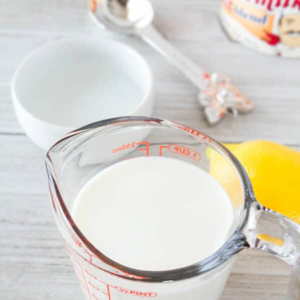 Commonly used ingredients for making buttermilk substitutes.
