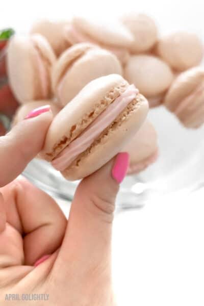 macarons aux fraises d'avril Go Lightly