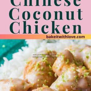 alfiler con 2 imágenes del pollo al coco en la parte superior un ángulo superior cuadrado del pollo servido con arroz en un plato verde y en la parte inferior una imagen alta de primer plano del pollo adornado con limón rallado.