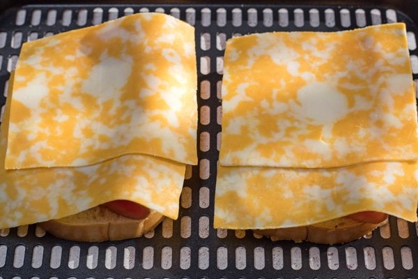 Air Fryer Gegrillter Schinken und Käse Schritt 3
