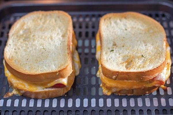 Air Fryer Gegrillter Schinken und Käse Schritt 4