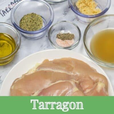 Tarragon Chicken Marinade ingredienser med tekstoverlay.