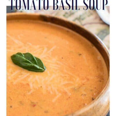 Cremet stegt tomat basilikum suppe pin med tekst header.