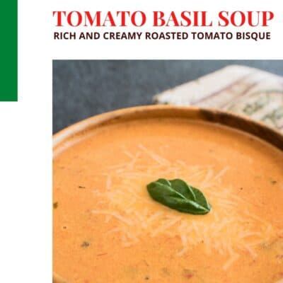 Pin de sopa de tomate asado cremoso con encabezado de texto y bloque de color.