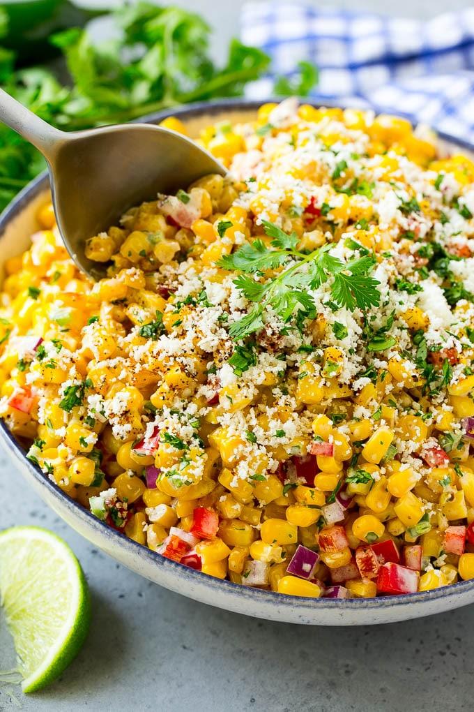 Hayvanat bahçesindeki akşam yemeğinden Meksika-mısır salatası.