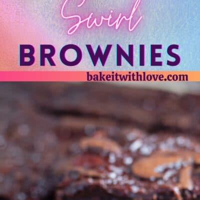 Grande image de brownies tourbillon aux fraises.