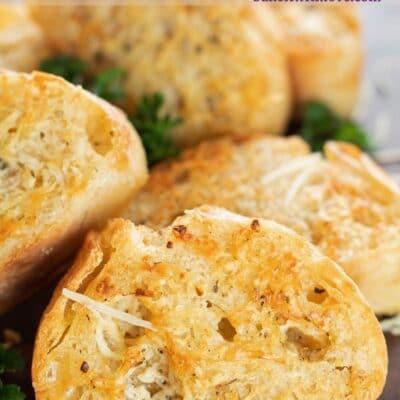 Air Fryer Garlic Bread pin with text header overlay.